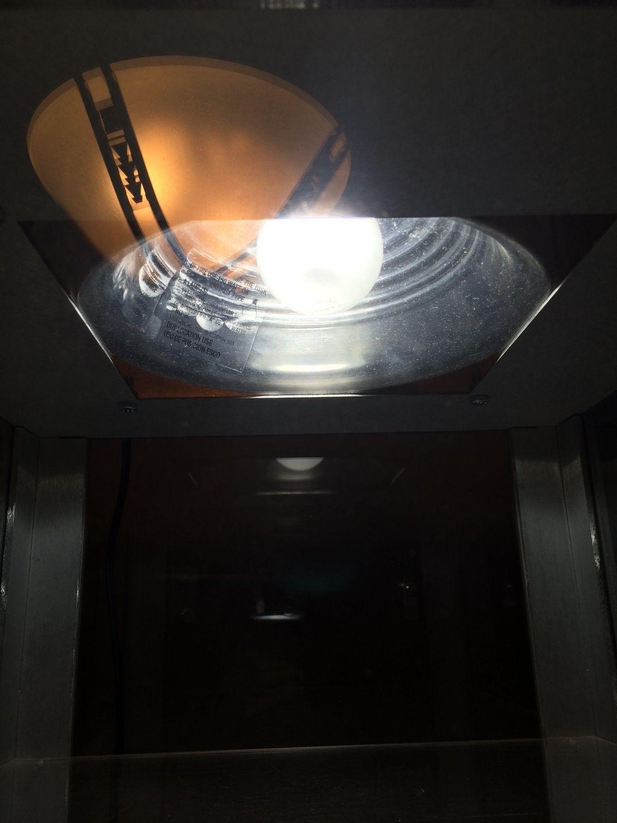Single Wide X-metal Display Case - photo 4.JPG