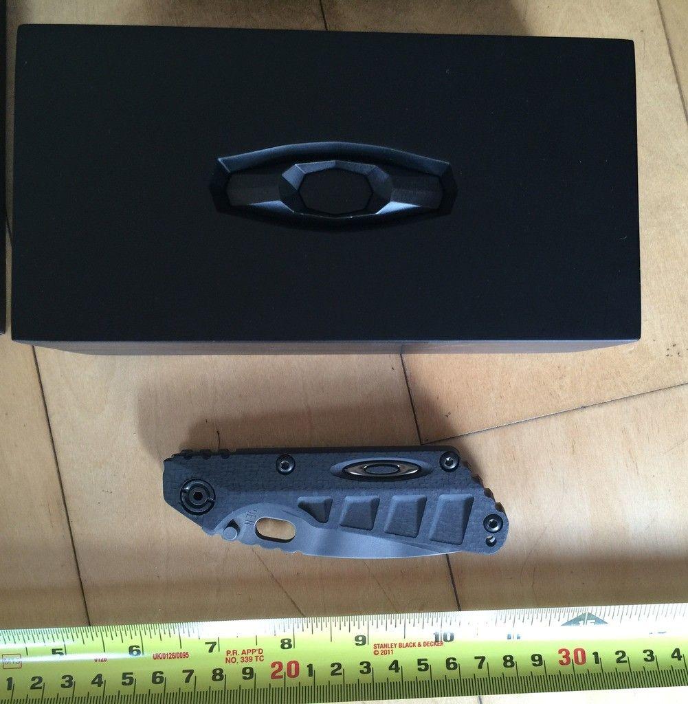 Oakley Carbon Fiber Strider Knife - Photo Jul 01 5 59 04 PM_zps85uy7one.jpg