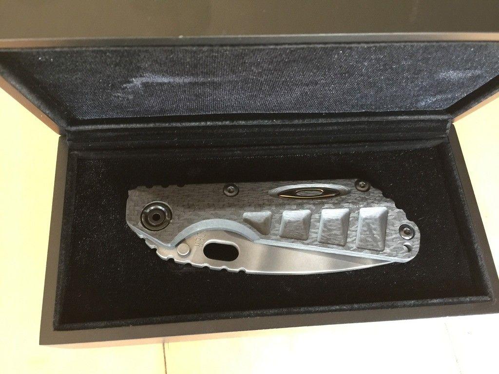 Oakley Carbon Fiber Strider Knife - Photo Jul 01 6 01 17 PM_zpsju31wsbt.jpg
