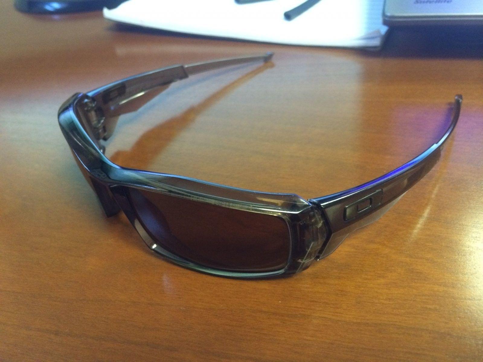 Identify Oakley Model - Photo Sep 09, 7 57 41 AM.jpg