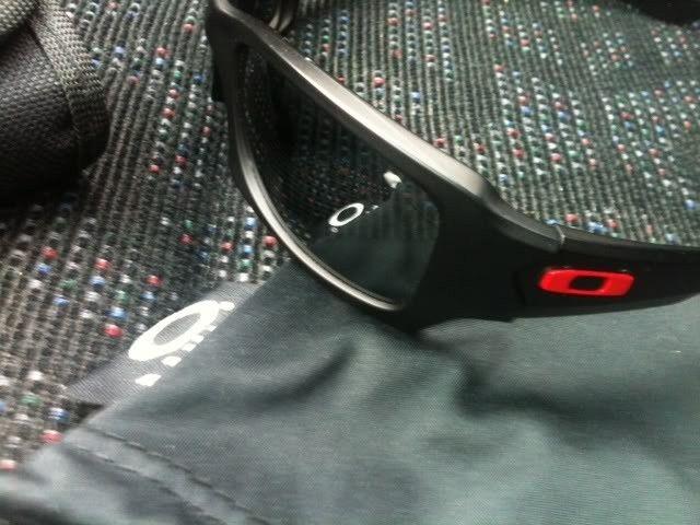 Ducati Fives W/Oakley Cleaning Kit - photo1-1.jpg