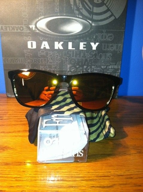Shaun White Frogskins - photo1ig.jpg