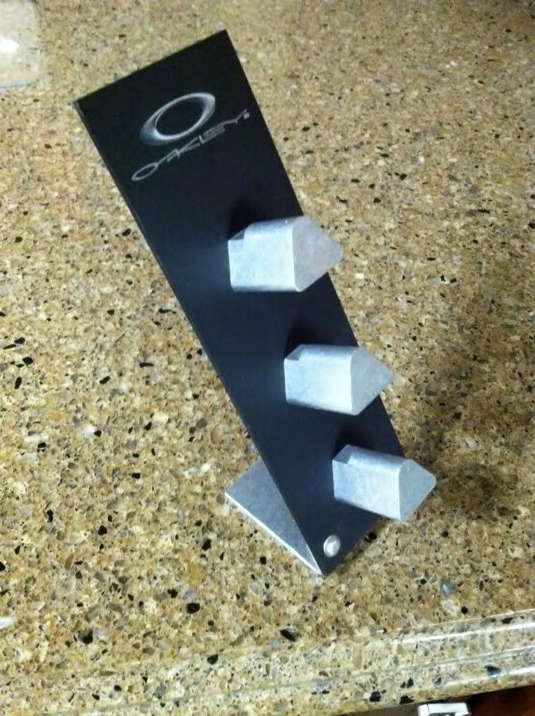 Rare Oakley Stand - photo31-1.jpg