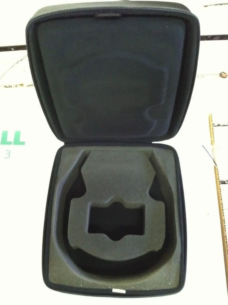 Oakley Thump Case.......BNIB - photo36.jpg