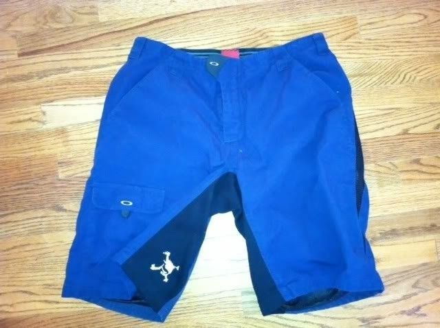 Oakley Skull Boardshorts          $45 - photo5-3.jpg