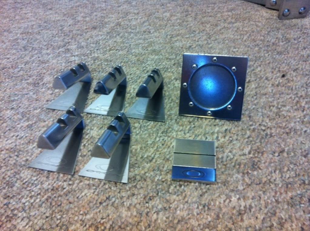 Or WTT 5 Metal Display Stands, Coin Display, And Pop Card Display. - photo_zpscd449af5.jpg