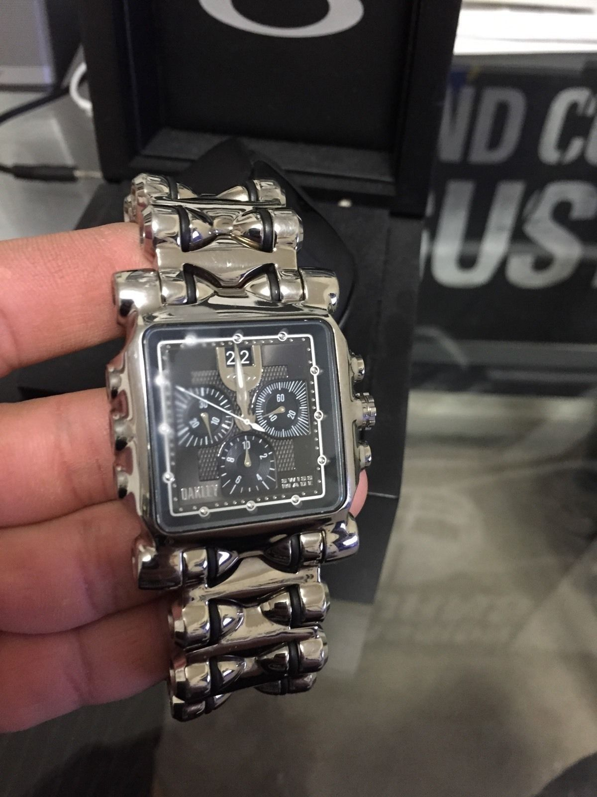 72d549389a48c For Sale - For sale oakley minute machine polished black dial ...