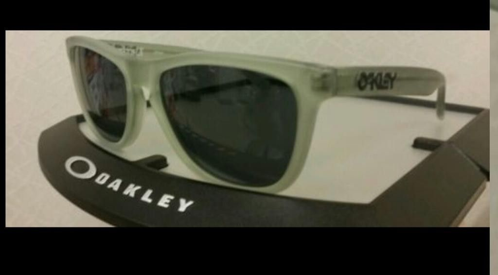 Few Brand New Oakleys For Sale - PicsArt_1410553839486_zps0xzcozwf.jpg