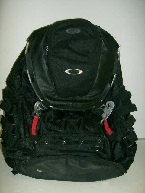 Need Help Identifying This Backpack - Picture018-2.jpg