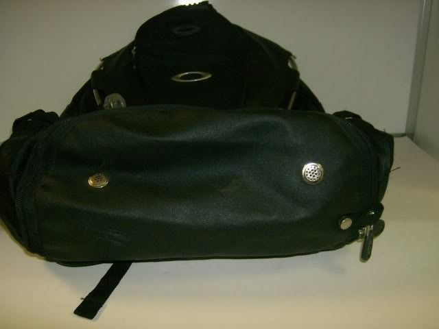 Need Help Identifying This Backpack - Picture019-1.jpg