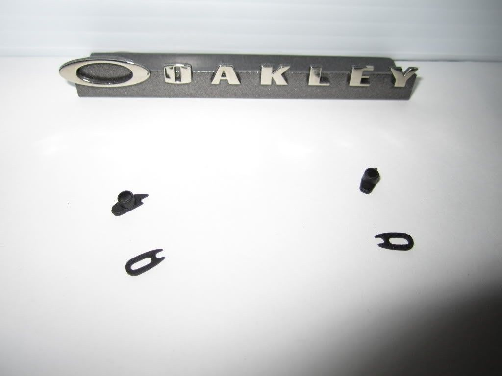 Genuine Oakley Romeo 1 Rubber Kits - Picture864.jpg