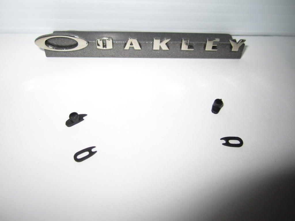 Genuine Oakley Romeo 1 Rubber Kits - Picture864.jpg