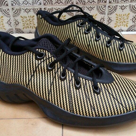 Oakley shoe one size 11us - PMCovershot2016-0429 13_27_00.jpg