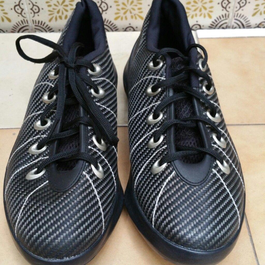 Oakley shoe one size 11us - PMCovershot2016-0429 13_27_11.jpg