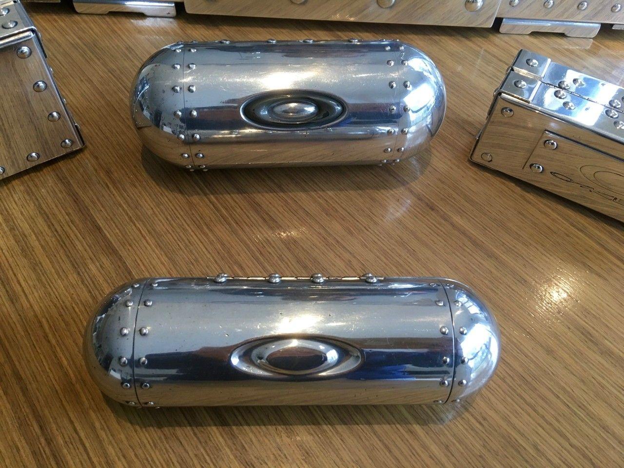 Polished Rep Briefcase & Vaults - Polished Case - 2.jpg