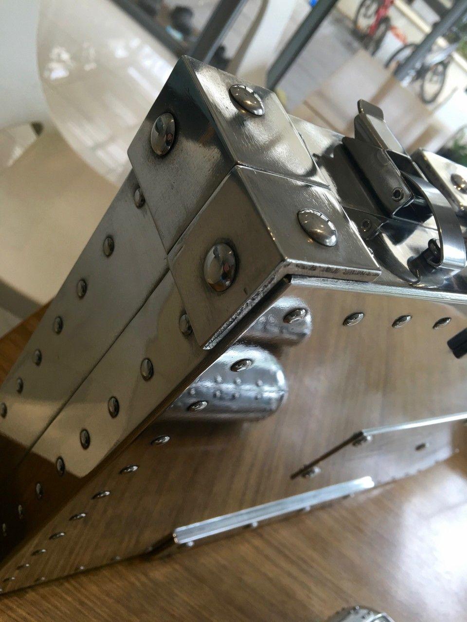 Polished Rep Briefcase & Vaults - Polished Case - 5.jpg