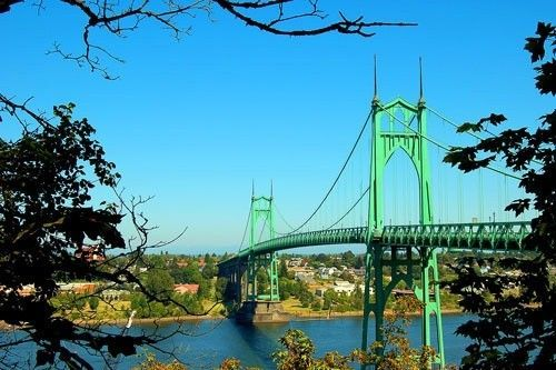 Who Lives In Oregon - portlandstjohnsbridge.jpg