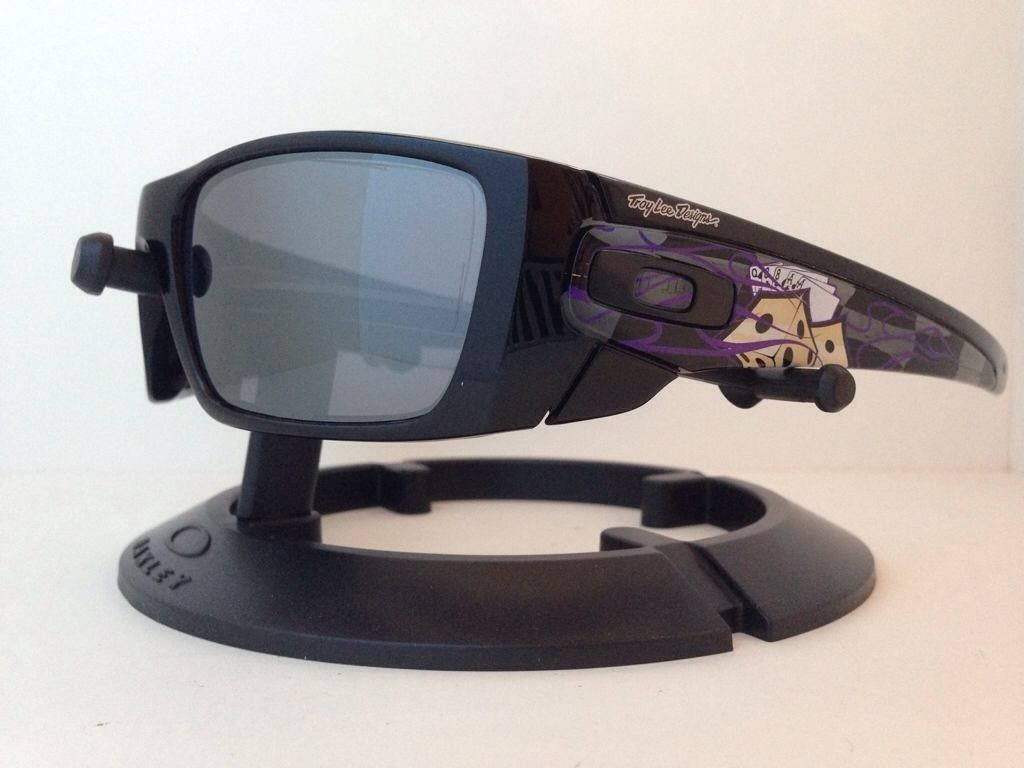 Oakley Troy Lee Designs....Love/Hate Fuel Cell....$300 - quteduqe.jpg