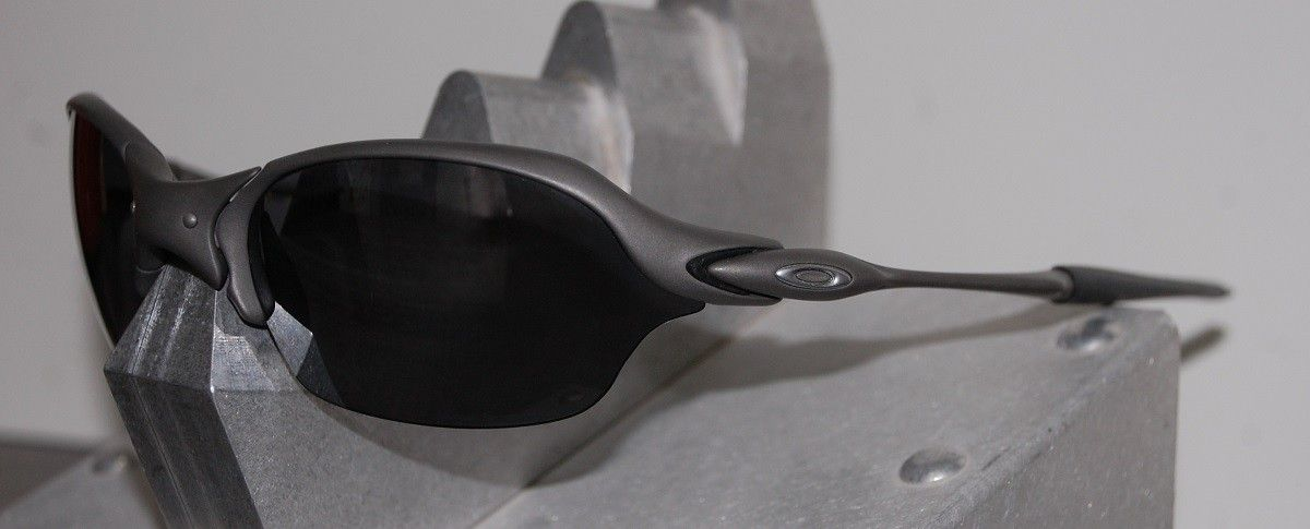 Oakley Romeo 2 X-metal-Black Polarized SKU: 04-157 - R2 2.jpg