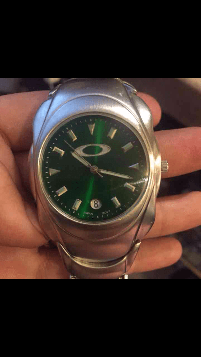 Anyone know which watch this is? - r6kJJgZ.png
