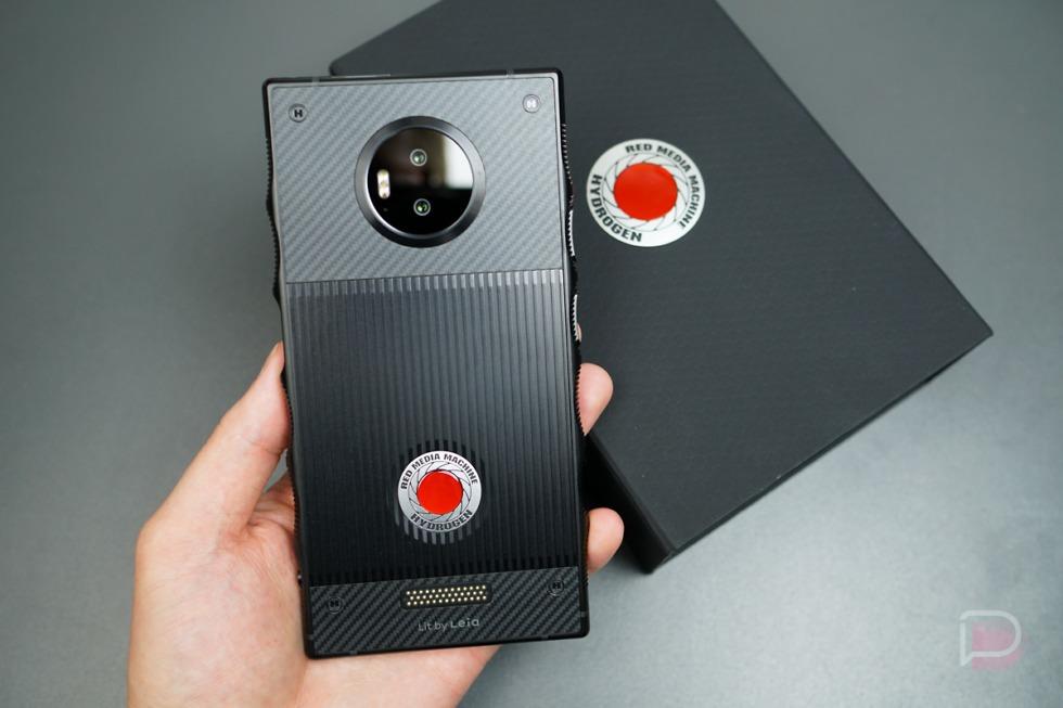 RED-Hydrogen-One-8-of-36-980x653.jpg