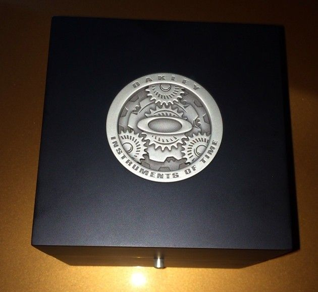 Oakley Watch Box / Display Box / Case - resymusa.jpg