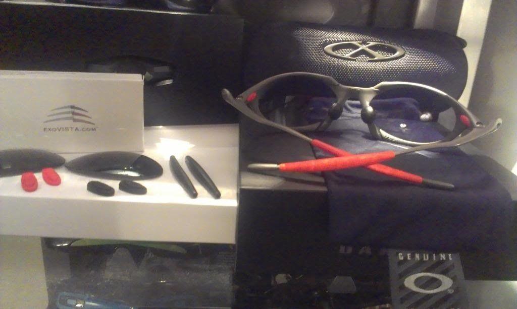 Oakley Romeo 1 Xmetal/Black Iridium! - RomeoInsideArray_zps6113f65d.jpg