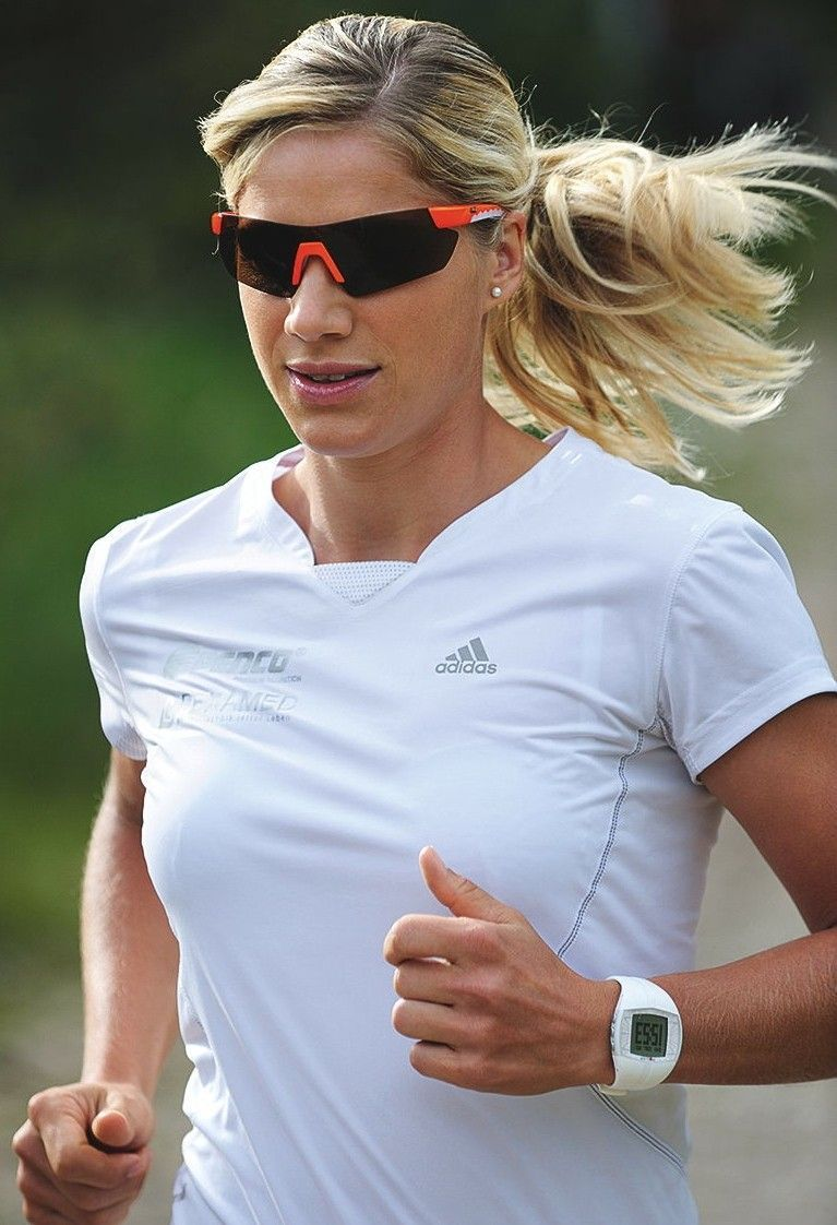 What's the snuggest wrap around sunglasses fit you know of? - Running-with-sunglasses.jpg