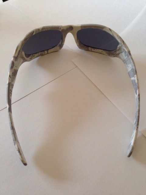 Few Pairs of Oakleys - ruqupu4a.jpg