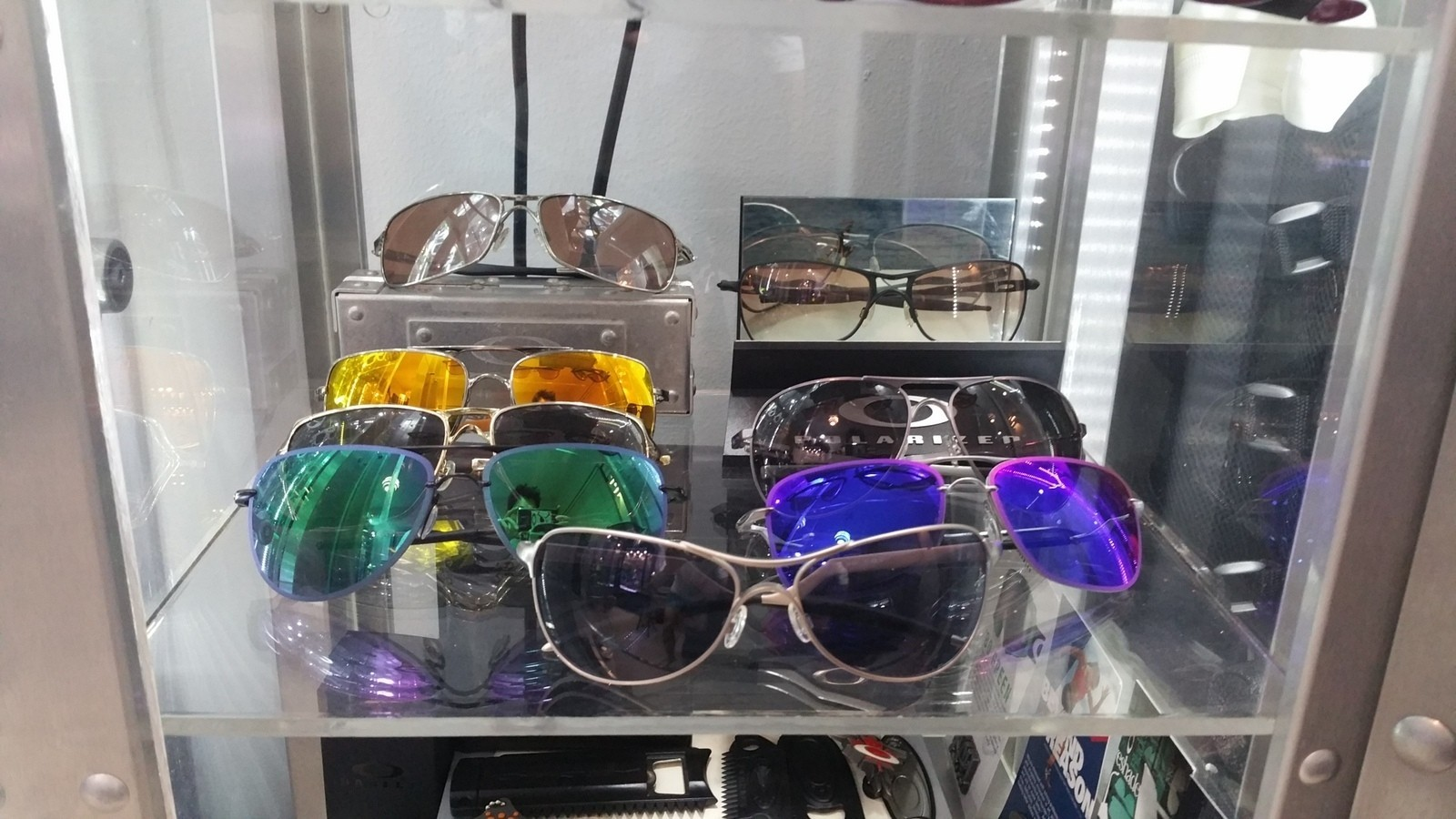 Oakley rooms - show us yours - rx5.jpg