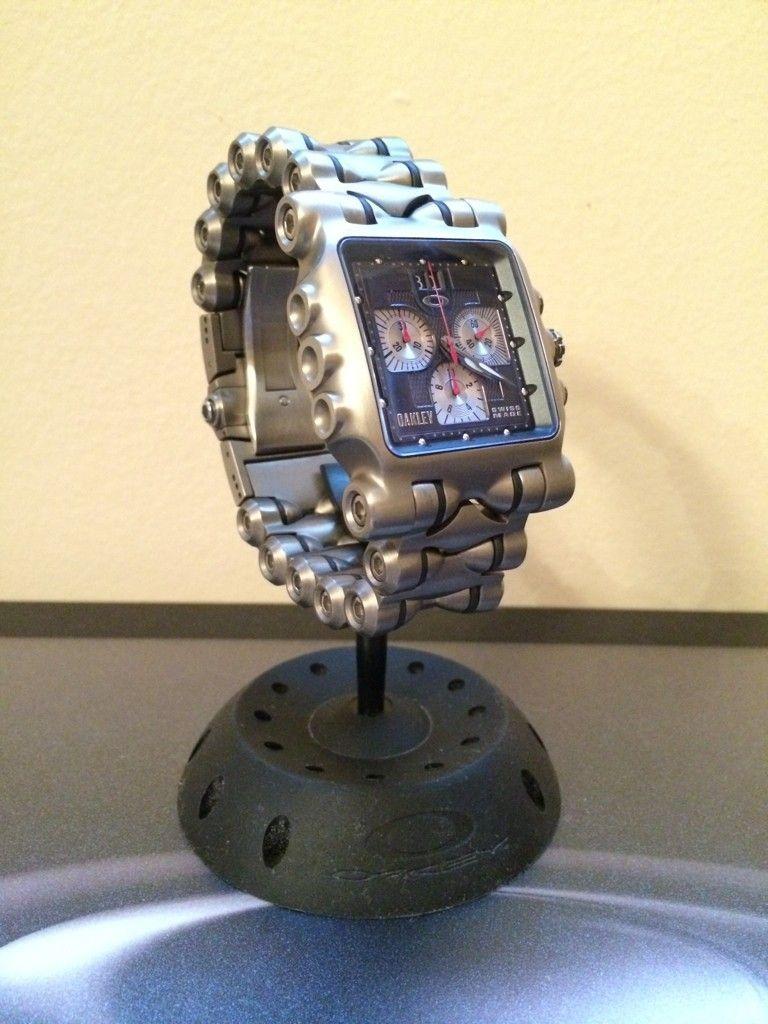 Oakley Watch Stand - ry8edepu.jpg