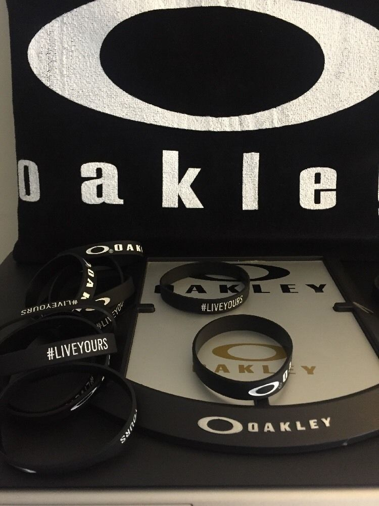 Oakley Wristband New - s-l1600 (2).jpg