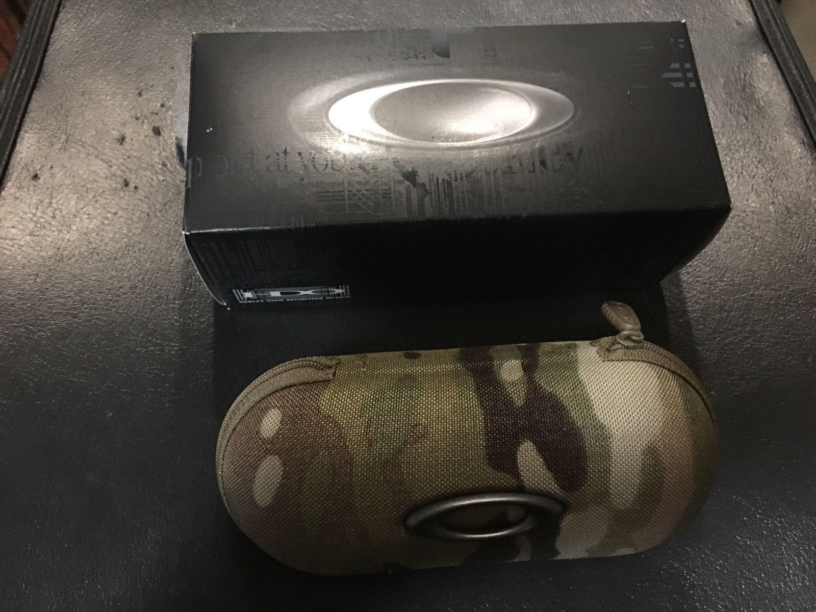BNIB Oakley Solf Vault Multicam Cases Camo SI - s-l1600.jpg