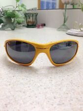 Oakley 1st Gen Yellow Straight - s-l225.jpg