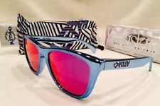 Oakley Frogskins Shaun White Blue Chrome FMJ w/ +Red - s-l225.jpg