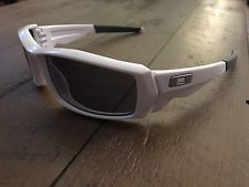 Oakley Canteen 1.0 Sunglasses Polished White Frame/Grey Lenses Near Mint! Rare! - s-l225.jpg