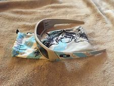 Rare!! New Oakley Limited Flying Tigers Gascan - s-l225.jpg