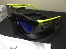 Oakley X WTAPS Frogskins Japan Exclusive - s-l225.jpg