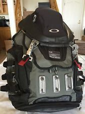Oakley Kitchen Sink Back Pack - s-l225.jpg