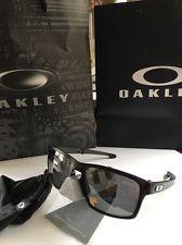 Oakley Silver F Folding 009246-04 Black Polarized Sunglasses - Lightweight - s-l225.jpg