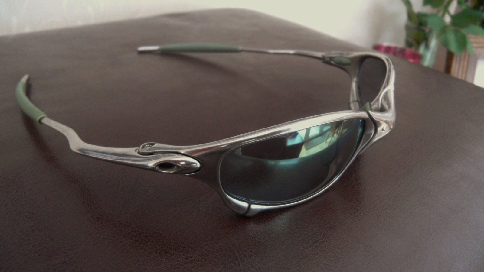Ichiro Juliet. Polished frame with Emerald Slate Iridium £250/$360 - SAM_0005.JPG