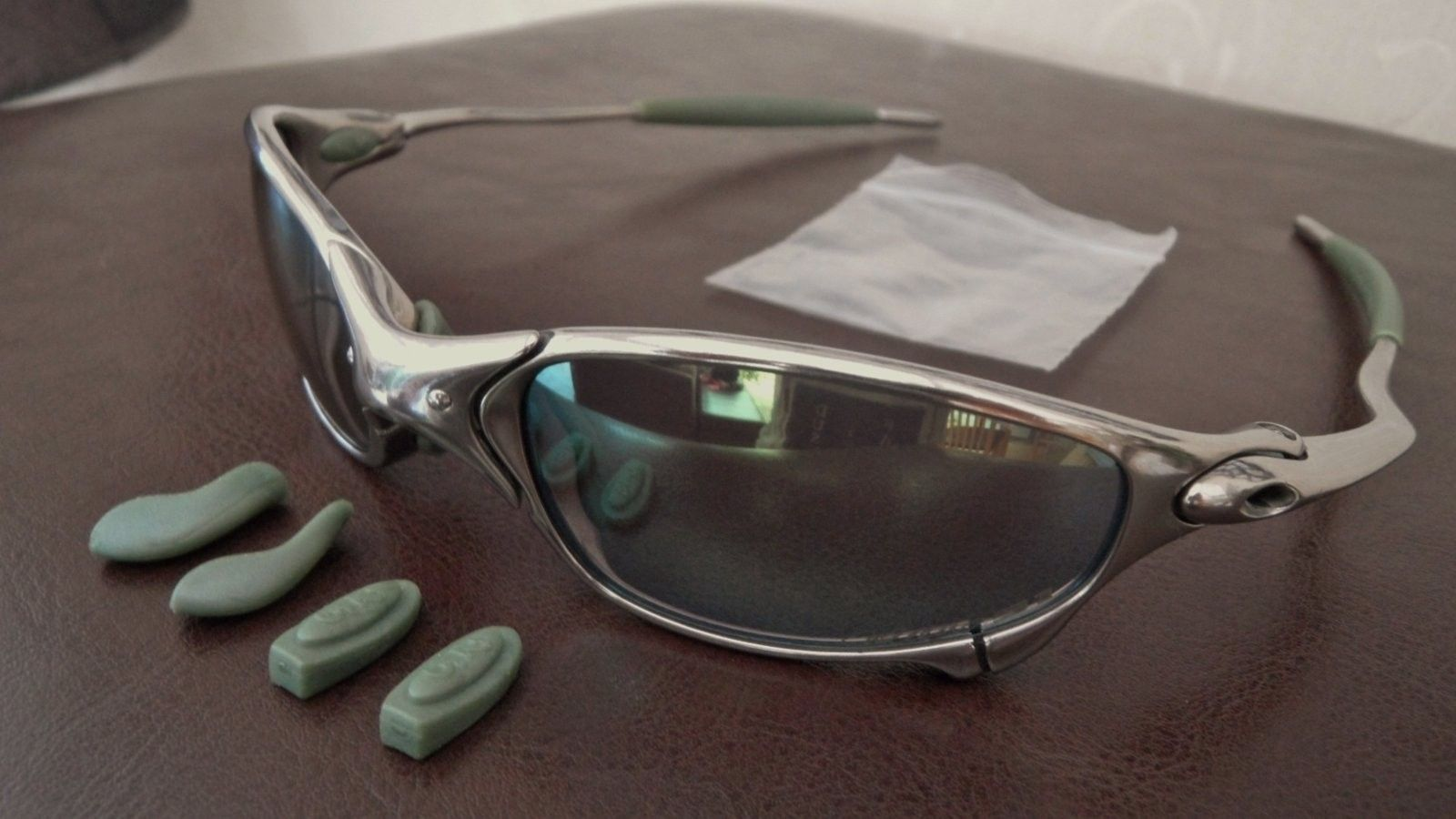 Ichiro Juliet. Polished frame with Emerald Slate Iridium £250/$360 - SAM_0015.JPG