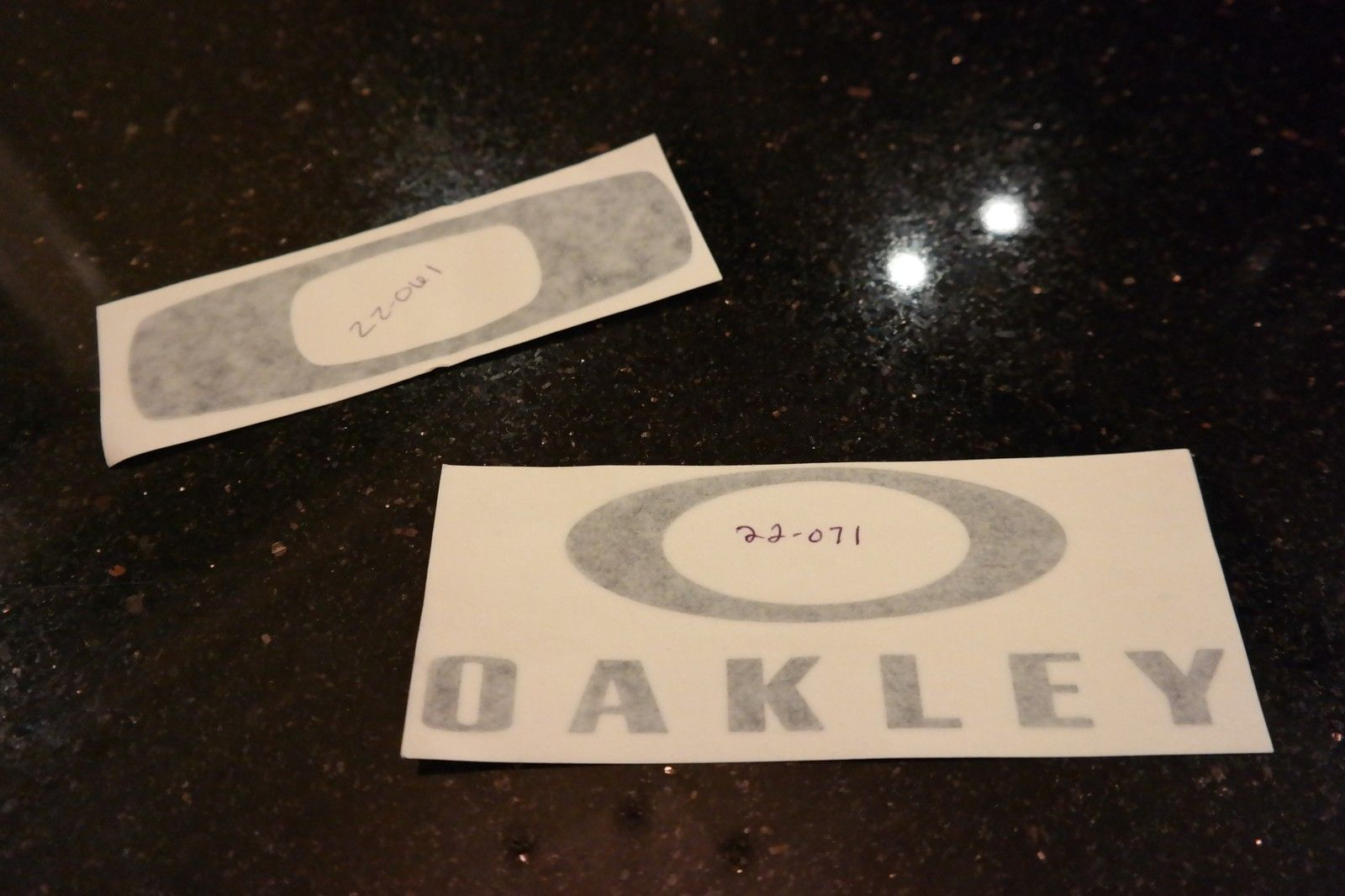 Want something you can't go out and buy?  OAKLEY V.I.P. polo, mf bag, golf balls and more. - SAM_1685.jpg
