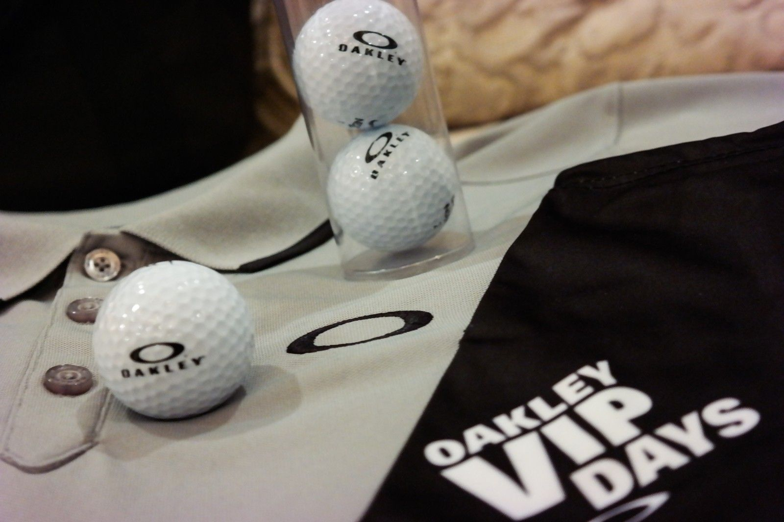 Want something you can't go out and buy?  OAKLEY V.I.P. polo, mf bag, golf balls and more. - SAM_1689.jpg