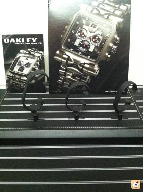 Oakley Watch Stand!!! - sanatu2e.jpg
