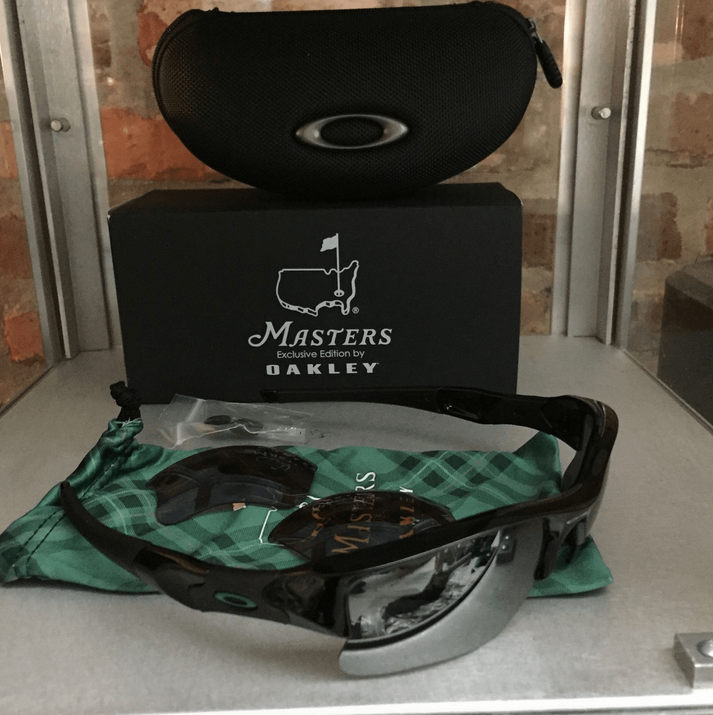 Masters Special Edition Oakleys? - Screen Shot 2015-04-12 at 9.14.52 AM.png