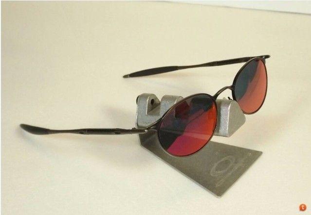 Michael Jordan oo Wire Sunglasses w/oringial box and paper work - ScreenHunter_01 Dec. 14 20.56.jpg