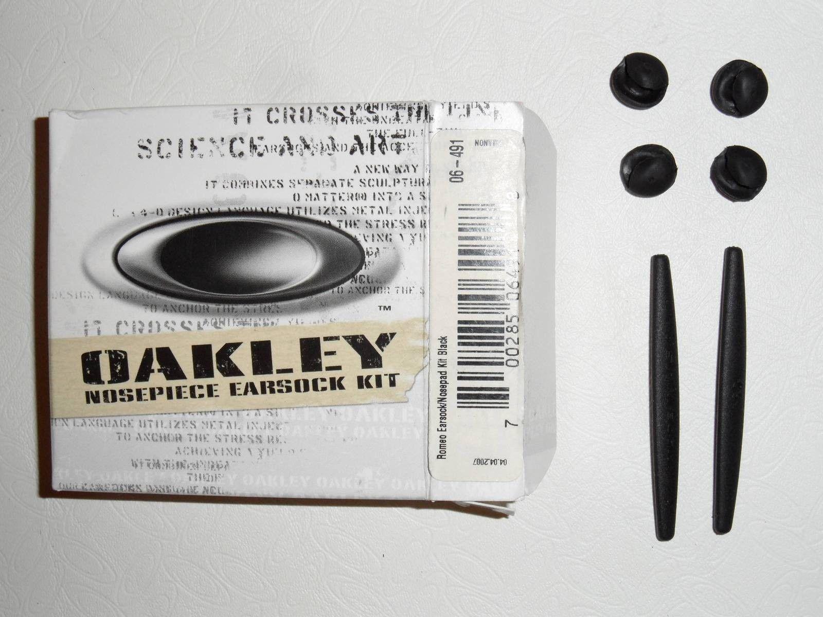 R1 Rubber Kit, Boxed - sfs2gcda.jpg
