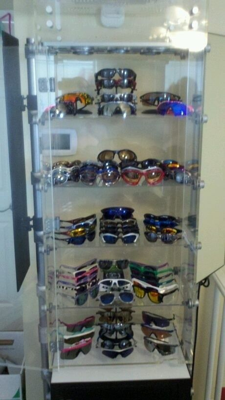 FearGearGarage ~ NEW OFFICE SET UP - smallspinecase.jpg