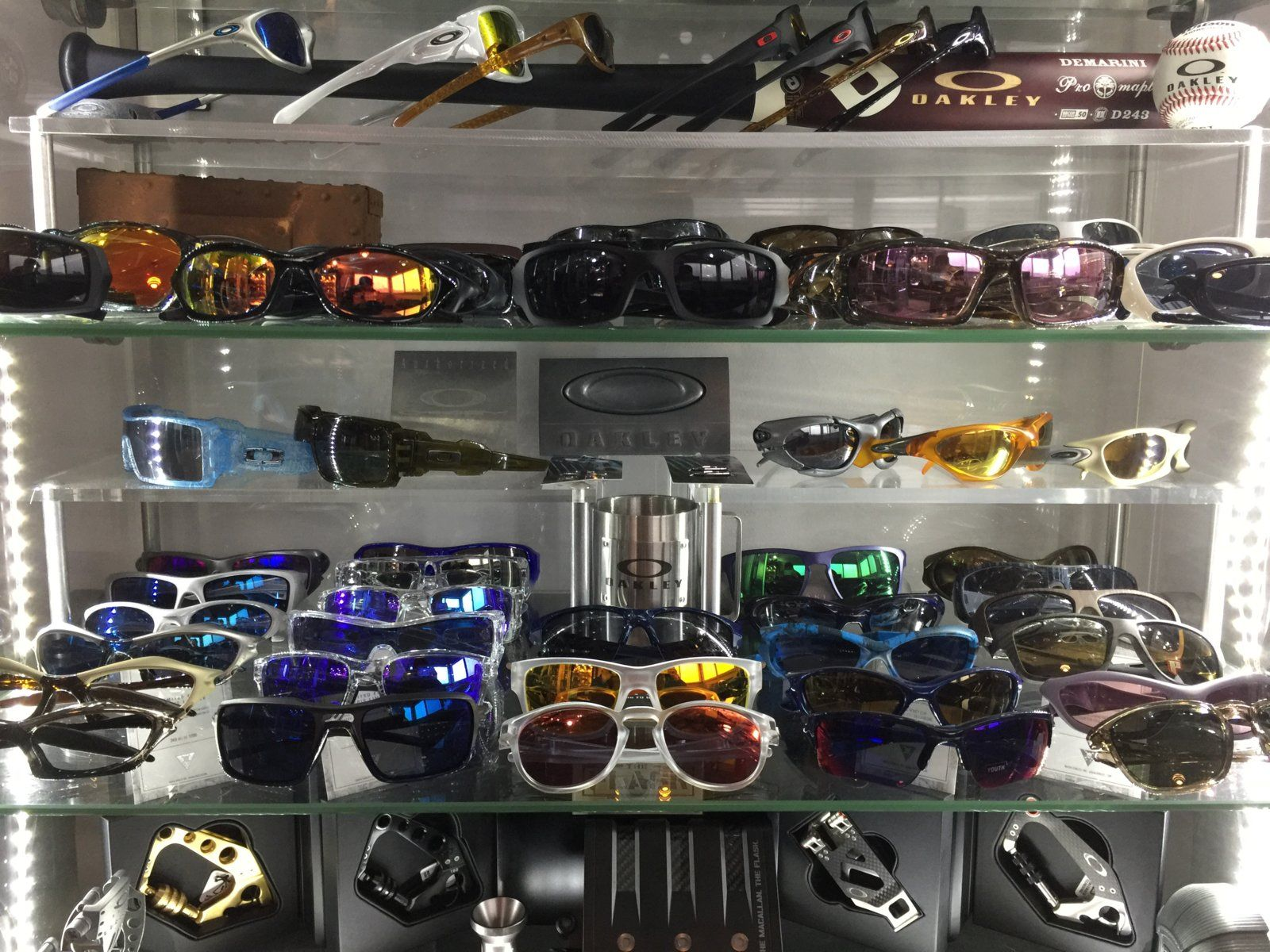 Oakley rooms - show us yours - spine 4 2016.JPG